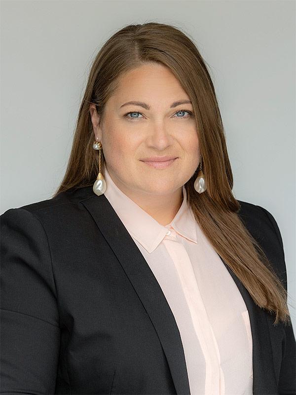 Jennifer Knops