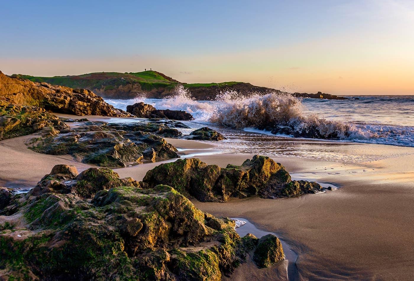 ocean waves rocks 1 web